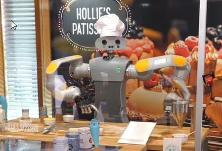 Un nuevo ayudante aterriza a las pastelerías, HoLLiE el robot pastelero